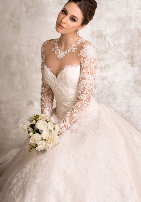 Abiti Da Sposa Ysa Makino.Ysa Makino Stunning Ball Gown Hong Kong Designer Bridal Room