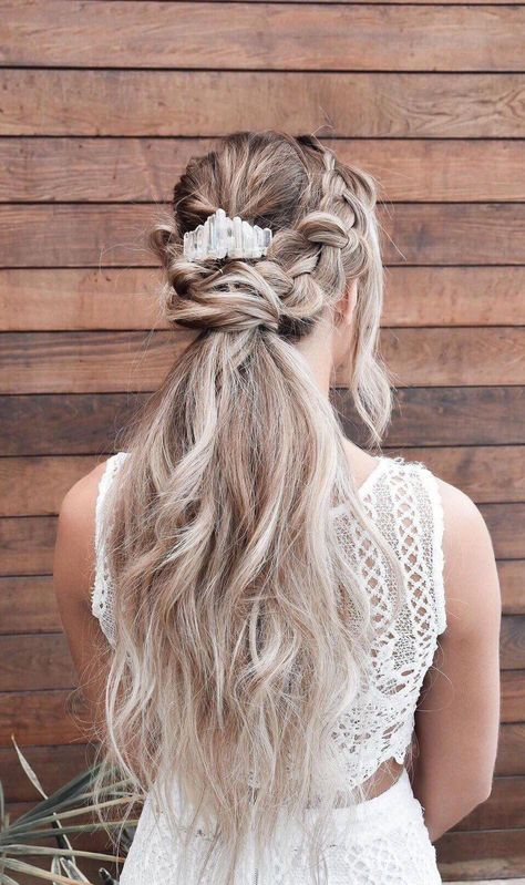 If your ideal bridal style is graceful and ethereal with a touch of bohemian glamour, this earthy quartz headpiece is the perfect piece to complete your look! #weddinghairstyles #weddingponytail #updos #weddings #wedding #bridal #quartzcomb #weddingaccessories #beachwedding #braidjewelry #bridesmaidhaircomb #bridaltrends #bridaltrends2019 #CutePonytailIdeasForHair