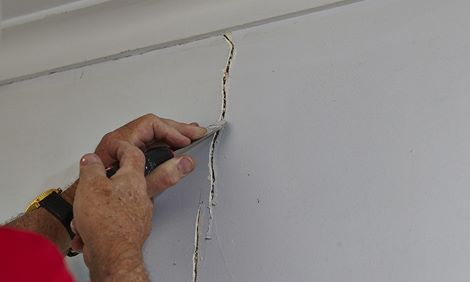 How To Repair Cracks In Plaster Bunnings Warehouse Diy Home