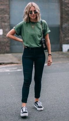 20+ Amazing Women Outfits For Going Out #womencasualoutfits #womenfashionideas #womenoutfits
