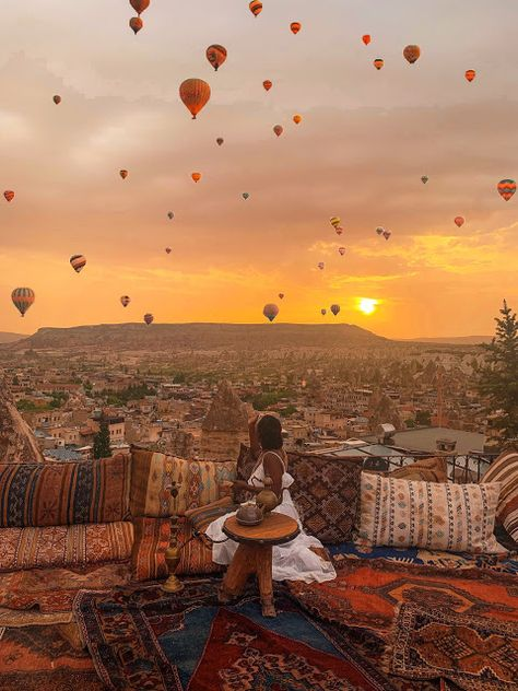 15 Times Black Women Went All The Way Up In Cappadocia, Turkey - Essence These 15 women brought melanin magic to Cappadocia, so buckle up and enjoy the ride because they're going all the way up! Beautiful Places To Travel, Cool Places To Visit, Places To Go, Pamukkale, Reisen In Europa, Destination Voyage, Photos Voyages, Turkey Travel, Future Travel