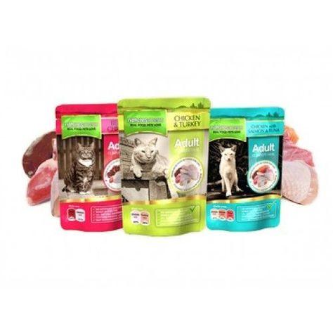 Gama de produtos cozinhados ao vapor para gatos. As saquetas que produzimos são preenchidas com uma grande qualidade de matérias-primas cruas e, em seguida, cozinhadas a vapor apenas uma vez na saqueta. Cozinhar lentamente os ingredientes a vapor dentro da embalagem assegura que os nutrientes e sabores permaneçam no interior da saqueta. Não usamos farinhas de carne ou derivados de carne nas nossas saquetas. As nossas saquetas não contêm açúcares adicionados.