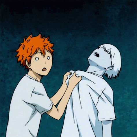 Hinata : i think i killed him. -but still swings kageyama's head back ans f. Hinata : i think Haikyuu Kageyama, Manga Haikyuu, Haikyuu Funny, Haikyuu Fanart, Hinata Shouyou, Anime Gifs, Manga Anime, Kagehina Cute, Volleyball Anime