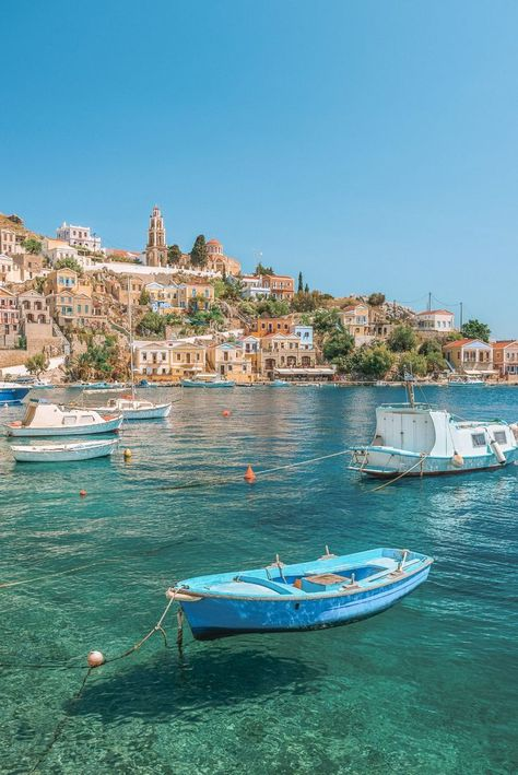 Santorini needs little Introduction, especially as beautiful Greek Islands go. In fact, I'd go as far in saying it's probably one of the most iconic Greek - 12 Best Things To Do In Santorini… Greek Islands To Visit, Best Greek Islands, Greece Islands, Greek Islands Vacation, Santorini Island Greece, Mykonos Greece, Crete Greece, Tropical Islands To Visit, Best Island Vacation