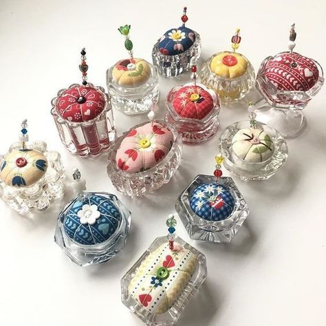 Pretty pin cushions using salt cellars. Shared from 'One & only Eclectic Lady'. Fabric Crafts, Sewing Crafts, Sewing Projects, Vintage Crafts, Vintage Sewing, Diy And Crafts, Arts And Crafts, Easy Crafts, Easy Diy