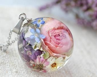 Real Rose Necklace Terrarium Jewelry Real Rosebuds Crystal Resin Pendant Resin Flower Jewelry Red Rose Jewelry Floral Necklace Flower Resin Jewelry Resin Jewelry Terrarium Jewelry