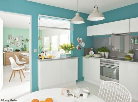 organisation idee deco cuisine blanche et bleu | Kitchens, Salons ...