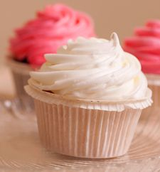 French Buttercream Frosting   A Pastry Shop Favorite; Buttery and Creamy--Perfect for Frosting & Decorating Cakes