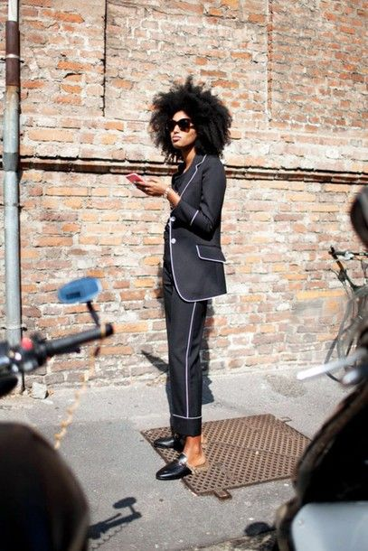 Sunglasses: le fashion image, blogger, natural hair, tailoring, blazer, black blazer, cropped pants, gucci shoes, flats, designer shoes, gucci, streetstyle - Wheretoget