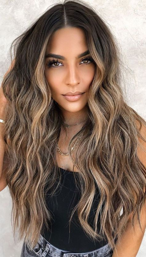 Blonde Hair With Highlights, Brown Blonde Hair, Hair Color Balayage, Subtle Highlights, Warm Blonde, Blonde For Brunettes, Highlights For Brunettes, Light Brunette Hair, Balayage Hair Brunette With Blonde