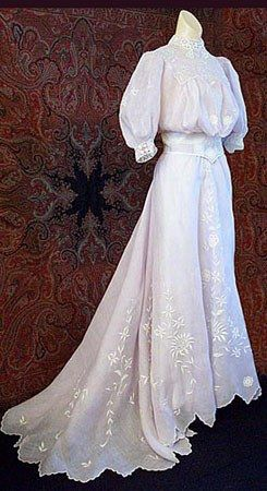 1902 - robe d'été en lin brodé Belle époque -    ◄108/519 ►