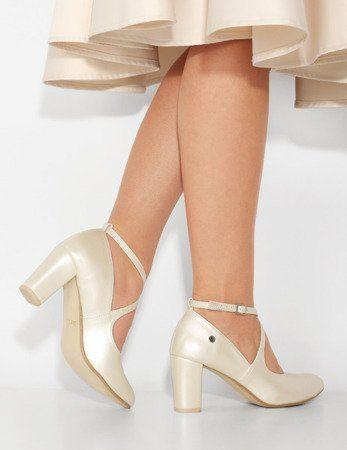 Czolenka Slubne Z Paskami Na Slupku Jasmine Perlowe Bezowe Brilu Pl Heels Fashion Shoes