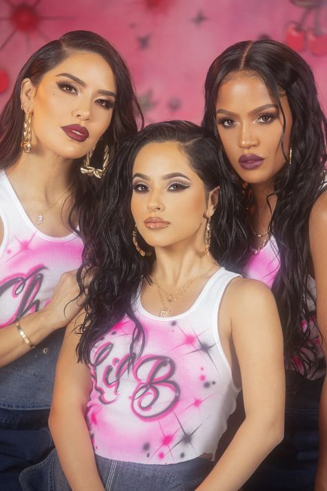ColourPop and Becky G's Badass Hola Chola Collection Gives Beauty a Fierce Latinx Vibe — POPSUGAR Becky G's Hola Chola Makeup Collection With ColourPop Is Inspired by Her Mexican Heritage Popsugar, Bath Body Works, Colour Pop, Chicano, Chica Chola, Estilo Chola, Family Shoot, Old School Pictures, Ideas Para Photoshoot