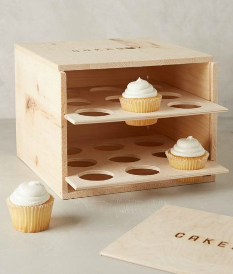 diy cupcake carrier, fully enclosed box style with door includes free plans, holds 18 regular cupcakes Porta Cupcake, Cupcake Boxes, Diy Cupcake, Cupcake Display, Assiette Design, Wood Projects, Woodworking Projects, Woodworking Bench, Sewing Projects