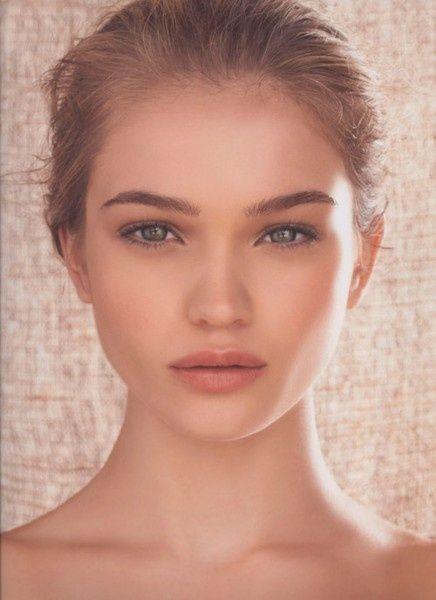 Beautiful 'wedding' style - Natural glow - Matt natural/beige eyes - Matte beige/pink lips