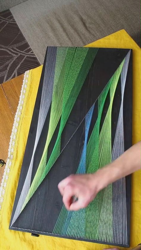 Diy Crafts Hacks, Diy Crafts For Gifts, Diy Home Crafts, Crafts To Do, Diy Projects, String Wall Art, Nail String Art, String Art Tutorials, String Art Patterns