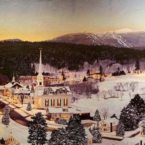 holidayseason Stowe, Vermont! #vermont...