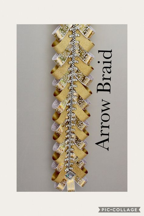 Arrow Braid This braid comes with Bling Diamond Dust and Imprint Ribbon Unique Homecoming Mums, Homecoming Mums Senior, Football Homecoming, Homecoming Garter, Homecoming Corsage, Homecoming Spirit, Homecoming Proposal, Homecoming Ideas, Senior Year