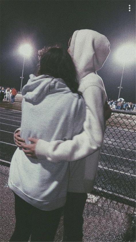 Sweet And Goofy Couples In Hoodies To Make You Wanna Fall In Love Right Now; Relationship; Lovely Couple; Relationship Goal; Romantic Relationship Goal; Love Goal; Dream Couple; Couple Goal; Couple Messages; Sweet Messages; Boyfriend Goal; Girlfriend Goal; Boyfriend; Girlfriend; Teenageer Couples; Teenager Couple Goals; Couple In Hoodies; Hoodie; Hoodie Couple; #relationshipsgoals