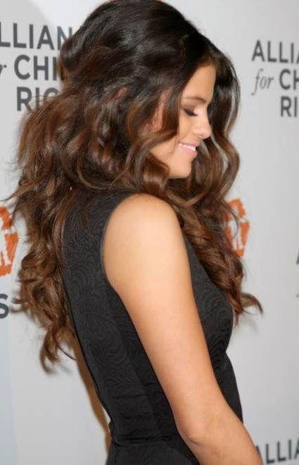 Selena Gomez Long Hair Wavy 52 Ideas In 2020 Selena Gomez Hair Wedding Hairstyles For Long Hair Selena Gomez Hair Long