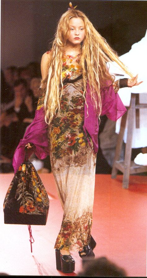 lafrockstars: lame-beauty-item: Jean Paul Gaultier S/S 1999 on. 90s Fashion, Runway Fashion, High Fashion, Fashion Show, Vintage Fashion, Fashion Outfits, Fashion Design, Student Fashion, Baroque Fashion