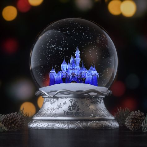 The holidays begin at the Disneyland Resort! Starting November 8th, you can celebrate the season surrounded by a winter wonderland of Disney magic.
