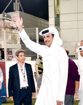 الامير الشيخ تميم بن حمد آل ثاني حفظه الله ورعاه Qatar قطر Chef Jackets Love Quotes Fashion
