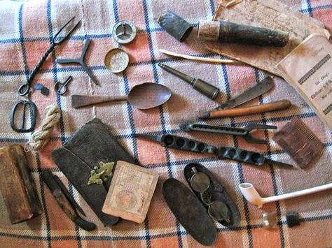 Small items commonly mentioned in Revolutionary War soldier diaries.