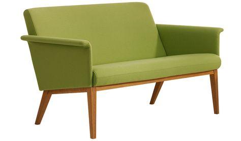 Simple Skandinavische sofas Das Sofa aus Stoff und Holz Beine Couch Pinterest
