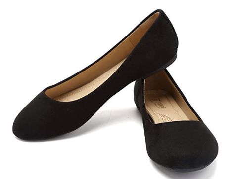 Ballet flats are a wardrobe staple, but they're not known for being the most comfortable. Frequently, they feature a thin slab of rubber sole for cushioning and even less arch support. Luckily, that's not the case with the most comfortable ballet… Cute Shoes Flats, Dressy Flats, Black Flats Shoes, Black Ballet Flats, Leather Ballet Flats, Flat Shoes, Work Flats, Black Leather Flats, Women's Shoes