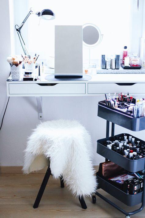 1001 Bidouilles Et Astuces De Rangement Avec Une Desserte Ikea En 2020 Avec Images Rangements Maquillage Rangement Maquillage Ikea Rangement