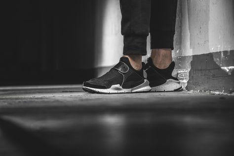 Nike - Sock Dart SE (black) - 833124-001  1da2225ba8e6