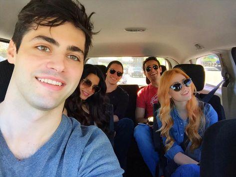 Set van selfies with the squad  #Shadowhunters @shadowhunterstv @abcfamily @MatthewDaddario