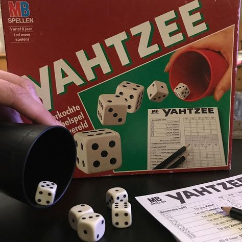 elkedageenfoto Y -> Yahtzee #something...
