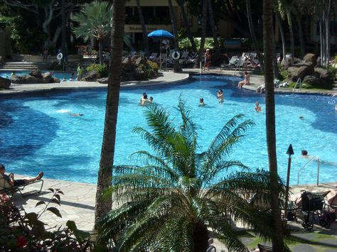 Pool @ Hilton Hawaiian Village Hotel