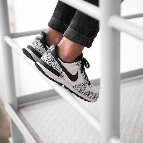 get cheap great fit sale retailer Nike WMNS Internationalist PRM (beige / schwarz) - 43einhalb ...