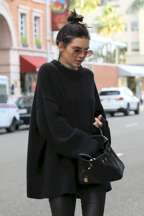 kendall jenner workout routine # JENNER LOVE : This all black outfit is life! Serious outfit inspo here. Find more at thecultofshe