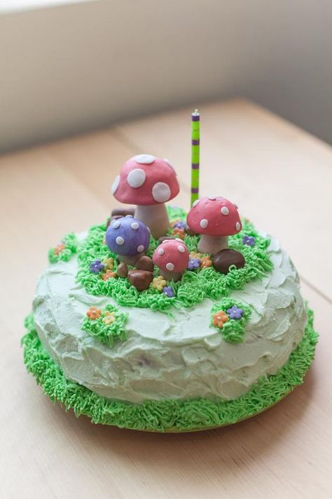 Items similar to Cake Topper Fondant Set - Mushrooms on Etsy Pretty Birthday Cakes, Pretty Cakes, Cute Baking, Pastel Cakes, Frog Cakes, Fondant Cake Toppers, Cute Desserts, Just Cakes, Little Cakes