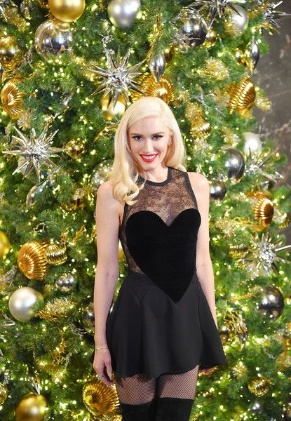 Singer Gwen Stefani lights The Empire State Building to promote The Holiday Light Show at The Empire State Building on November 20, 2017 in New York City.