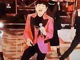 動画 FNS歌謡祭に登場した和田アキ子の目の違和感に視聴者騒然 これヤバくない