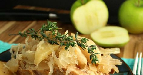 Slow Cooker Pork Chops with Sauerkraut, Apples, and Potatoes Recipe | Yummly