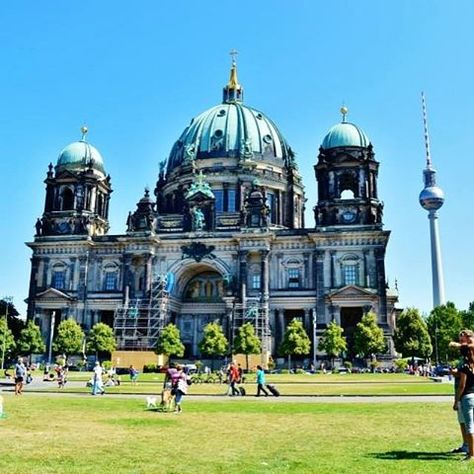 Stunning The Definite To Do List for A Trip To Berlin F i N D i N G B E R L i N berlin Pinterest War memorials and Berlin berlin