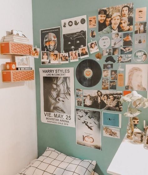 These Are The Retro Trends That Are Making A Comeback In 2019 - ⓡⓞⓞⓜ ⓘⓝⓢⓟⓞ - Dorm Room İdeas Cute Room Ideas, Cute Room Decor, Indie Room Decor, Music Wall Decor, Room Ideas For Men, Diy Room Ideas, Diy Room Decor Tumblr, Picture Room Decor, Cool Wall Decor