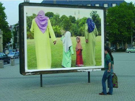 Twin Gabriel: Jogging Muslima. Installation view Germany 2005. #performanceartwithchildren #twingabriel #performance