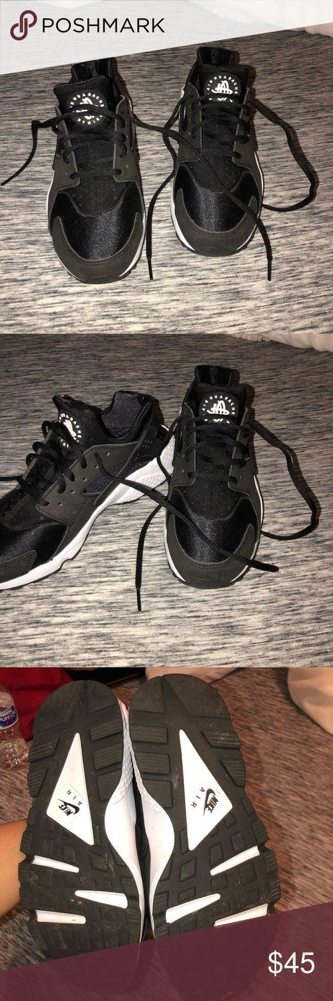 9c70a81ac6d8 Nike black and white huaraches -Barley worn -Basically grand new -Will be  shipped