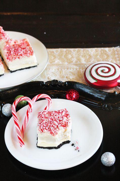 Peppermint Bark No-Bake Marshmallow Cheesecake Bars | The Hopeless Housewife