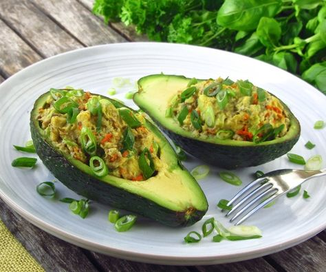 Keto and paleo-friendly snack made in 5 minutes, anti-inflammatory, high in omega 3, MUFA and potassium!