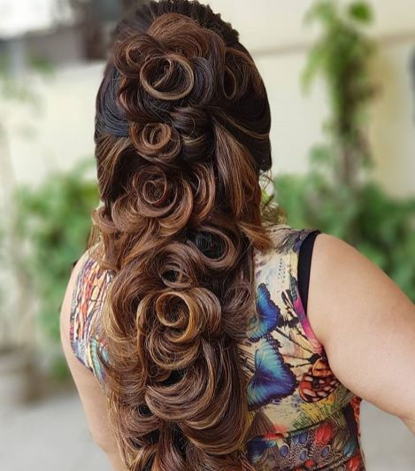 25 Pre Wedding Hairstyles For Mehndi Haldi Or More Functions Hair Styles Indian Bridal Hairstyles Bridal Hairstyle Indian Wedding