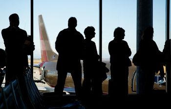 10 Preboarding Secrets to Staying Healthy When You Fly