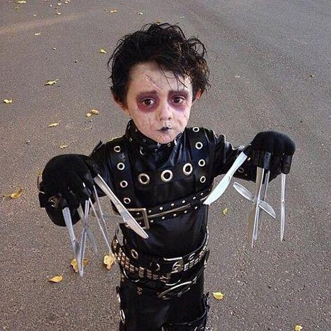 Halloween Kostum Edward Mit Den Scherenhanden Kids Halloween Kinder Halloween Kostume Selbstgemacht Halloween Kinderkostume